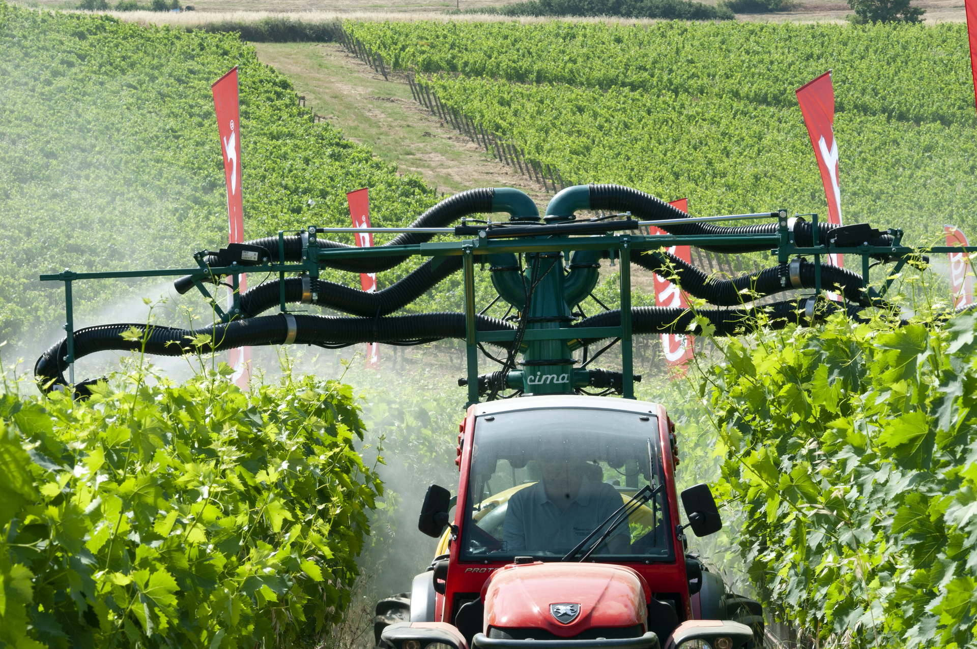 3-point mounted sprayers with 6 hands 4 cannons sprayhead